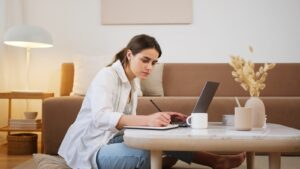 Uzaktan & Online Eğitim Nedir?